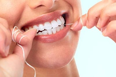 Flossing: The Do's and Don'ts